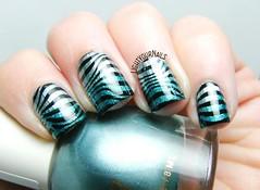 Blue zebra nails (Simona - www.lightyournails.com) Tags: stamping bornprettystore esmalte smalto vernis manicure unghie nails nailpolish nagellack naillacquer nailart nailstamping blue