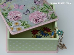 Intermediate Decoupage Workshop: How to Decorate a Dotted Box (Smile Arty) Tags: gift present vintage handmade decoupage crafts arts workshop diy intermediate decorate dots box