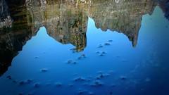Mare Salée (Astral Eye) Tags: eau mer océan rocher reflet mineral caillou plage