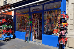 Rue Monge: Toy Story (Eddie C3) Tags: parisfrance vacationphotos storewindows storefronts ruemonge toystore