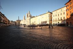 Rome's waking up (gcarmilla) Tags: roma rome navona piazza city città alba sunrise ciudad plaza dawn