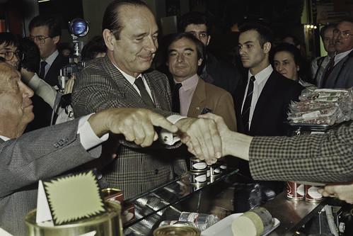 Mr JACQUES CHIRAC au SIA 1990-40-cliche Jean Weber