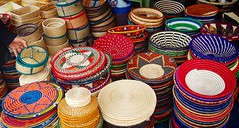 Sunday Maasai Market .  #Day127 #FolkArt . (c) Marlene C. Francia 2017 . . . . . . . . . . . . . . . . . . . . . #Baskets #Placemats #Weave #ColorsOfAfrica #LocalColor #ILoveAfrica #everydayafrica #everydaykenya #everydaynairobi #MasaiMarket #MaasaiMarket