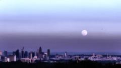 Vollmond über Frankfurt (norbert.r) Tags: architecture backgrounds blue cityscape flickrchallengegroup frankfurt gx80 landscape lumix moon nik night panorama twilight urbanskyline