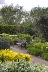 Abbey Gardens (chiron3636) Tags: waltham church abbey walthamabbey 2017