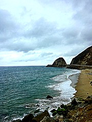 Deer Creek Canyon Park on Pacific Coast Highway, California (WorldExplorations) Tags: ca cliffs landscape clouds bluesky blue socal westcoast rocks sand beach shoreline water ocean pacific hwy hwy1 highway1 highway pacificcoasthighway coast pacificocean pacificcoast park deercreekcanyonpark deercreek