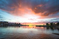 Sunset harbor (RdeUppsala) Tags: östersjön öregrund baltic báltico mar moln marino sverige suecia sweden sunset sky sea atardecer agua paisaje puerto harbor havet hamn solnedgång summer seascape sommar verano naturaleza nature natur nubes uppland