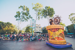 Disneyland & California Adventure - 2015 (Jeremy Thomas Photography) Tags: disneylandcaliforniaadventure2015 disneyland california adventure 2015 fun love goodtimes friends outdoor outdoors beautiful pretty gorgeous stunning amazing wow whoa cool light lights lighting color colors colorful canon eos 5 5dmarkiii 2 two dslr hd high def definition raw lightroom 3 full frame digital exposure prime fixed ef 35mm 35 l f14 usm lens wide angle bokeh dof quality fijizzle sharp portrait fov