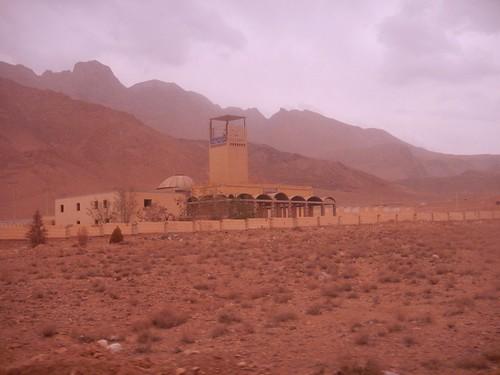 Bâtisse du désert, Route Yazd-Chiraz