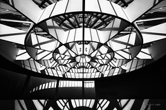 Kaleidoscope (mimo b. rokket) Tags: modernarchitecture modernearchitektur modern abstract abstrakt abstraktearchitektur abstractarchitexture bw sw blackandwhite schwarzweis monochrome monochrom linien lines curves pinakothekdermoderne münchen munich germany deutschland bavaria bayern rotunde schattenspiel shadowplay shadow schatten canonefs1018mmf4556isstm wideangle weitwinkel