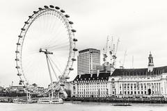 London eye (penn.sara) Tags: london londra londoneye world europe trip travel westminsterbridge bridge blackandwhite bnw bnwrose tamigi phography photography photo photooftheday photographer ships river ferry volgoworld