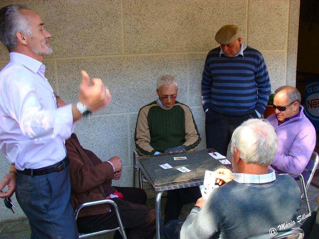 Águas Frias (Chaves) - ... um jogo de sueca na esplanada do café ...