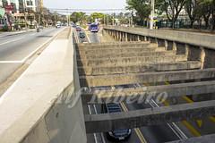 Alf Ribeiro 0139 0159 (Alf Ribeiro) Tags: alfribeiro alphaville automóveis avenida carros centro cidade grandesãopaulo praça prédio transporte tráfego trânsito centrocomercial condomíniodeluxo veículos