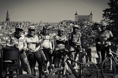 Los Veteranos (Egg2704) Tags: retrato retratos blancoynegro byn bw sepia virado toledo miradordelvalle miradordelvalletoledo eg2704 bicicleta ciclistas ciclismo bicicletas