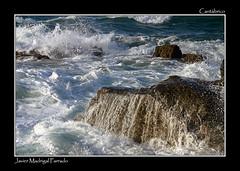 Bañada por el mar. (jmadrigal09) Tags: jmadrigal mar sea cantábrico playadelascatedrales paisaje landscape marina