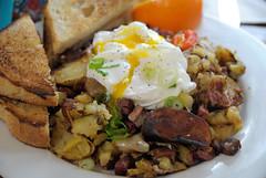20170422_4214 (Tom Spaulding) Tags: samslogcabin albany albanyca breakfast food restaurant eastbay ca california cornedbeefhash