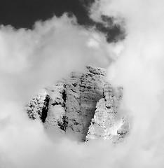 La Concarena tra le nubi (il goldcat) Tags: goldcat concarena vallecamonica cevo brescia mountains montagna cloud nubi alp alpi