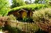 UN VIAJE DE IDA Y VUELTA (III) Hobbiton 03.- … en realidad simples agujeros, con una sola ventana…