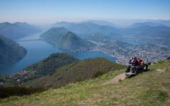 two girls and a bench @ Monte Boglia (TI) (Toni_V) Tags: m2403969 rangefinder digitalrangefinder messsucher leicam leica mp typ240 type240 35lux 35mmf14asph 35mmf14asphfle summiluxm hiking wanderung randonnée escursione monteboglia tessin ticino lagodilugano luganersee switzerland schweiz suisse svizzera svizra europe luganogandriamontebogliapregassonalugano landscape landschaft alps alpen südschweiz bench bank ©toniv 2017 170422 sansalvatore