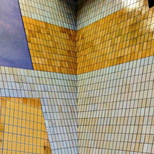 10 meters high tiling