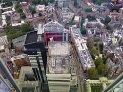 Tower Wing of Guy's Hospital (Kombizz) Tags: riverthames building architecture london 2016 aerialphotography fromabove lookingdownview rooftopview viewfromtheshard rooftops buildings 1180382 kombizz guyshospital stthomasstreet nhshospital boroughofsouthwark guysandstthomasnhsfoundationtrust teachinghospital kingscollegelondon kclms towerwing boroughwing southwarkwing bermondseywing tabardannexe tower towerwingofguyshospital cityscape