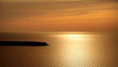 Minimalistic sunset (Santorini, Greece) (armxesde) Tags: pentax ricoh k3 griechenland greece santorin santorini kykladen cyclades insel island oia ia ägäis aegean water wasser meer sea sonnenuntergang sunset reflection spiegelung