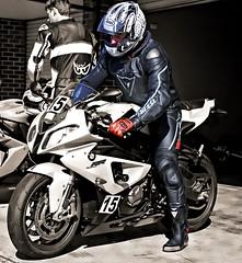 BMW (driver Photographer) Tags: 摩托车,皮革,川崎,雅马哈,杜卡迪,本田,艾普瑞利亚,铃木, オートバイ、革、川崎、ヤマハ、ドゥカティ、ホンダ、アプリリア、スズキ、 aprilia cagiva honda kawasaki husqvarna ktm simson suzuki yamaha ducati daytona buell motoguzzi triumph bmv driver motorcycle leathers dainese