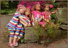 Zusammen werden wir ... STEINALT ... (Kindergartenkinder) Tags: grugapark essen kindergartenkinder blüte garten blume park frühling annette himstedt dolls tivi milina kind personen azalee margie annemoni