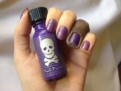 Bright Purple (?) (Hot Topic) + Lyra (L'Apogée) (Daniela nailwear) Tags: brightpurple hottopic cremoso blurple lyra lapogée glitter esmaltes esmalteimportado mãofeita stars troquinha