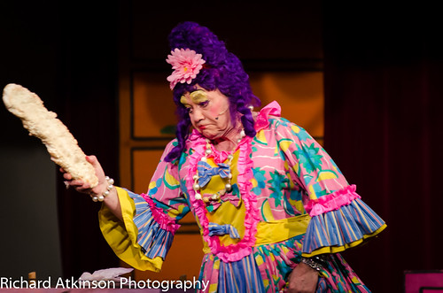 2016 Dick Whittington - Do - not - touch - that - cake!
