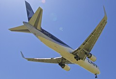BCN/LEBL: LANChile Boeing B767-300 CC-CXH (Roland C.) Tags: lan lanchile latam boeing b767 b763 b767300 bcn lebl barcelona elprat cccxh