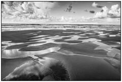 Penarronda. CASTROPOL-TAPIA DE CASARIEGO (Germán Yanes) Tags: asturias castropol penarronda españa spain tapiadecasariego playa beach bn bw