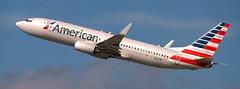 Boeing 737-823 N827NN (707-348C) Tags: losangeles thehill lax klax americanairlines aal american b738 airliner jetliner boeing boeing737 n827nn california passenger