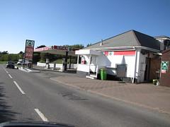 Spar - Station Road, Woolacombe, Devon 1 (christopherbarker13) Tags: spar petrolstation garage woolacombe stationroad devon