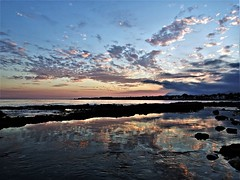 Reflejo en la orilla (Antonio Chacon) Tags: andalucia atardecer costadelsol cielo marbella málaga mar mediterráneo españa spain sunset sol nubes nature naturaleza agua costa orilla puestadesol