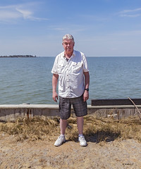 Brian_Family Pics Hoopers Island 27_041617_2D (starg82343) Tags: 2d brianwallace hoopersisland pose portrait family easter2017 group water chesapeake easternshore