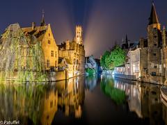 Brugge (Bruges) in Belgium - Rozenhoedkaai at night (patuffel) Tags: rozenhoedkaai rosenkranzkai brügge belgium brugge bruges belgien night view lights panorama belfried canal in explore