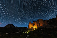 Mallos Riglos (Laurent BASTIDE Photographies) Tags: vanguard canon stars night mallos riglos sierra bardenas spain star trails circumpolaire