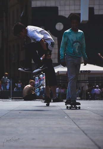 Skate or Die! #sakateboard #skate #skater #nikon #nikond5500 #nikonistas #macba #barcelona #vintage #oldschool