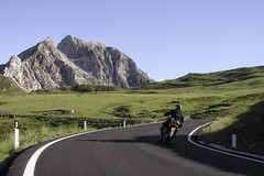 Grabbing curves in the Italian Dolomites Alps (lluunnoo) Tags: road travel bmw motorcycle motorbike alps mountains alpes explore dolomites italy