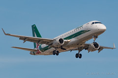 Alitalia Cityliner E175STD EI-RDL (José M. Deza) Tags: 20170423 alitalia bcn cityliner e175std eirdl elprat embraer lebl planespotting spotter aircraft