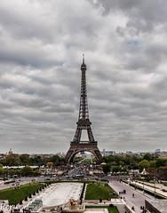 Desde Trocadero (Perurena) Tags: torre estructura metal acero iron arquitectura ingeniería gustaveeiffel trocadero torreeiffel cielo nubes clouds sky paris francia