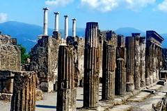 Pompeii (gerard eder) Tags: world travel reise viajes europa europe italien italy italia campania naples napoli napoles pompeii ruins ruinas vesuvio vesubio vesuv vulkan volcano volcán columns columnas säulen outdoor