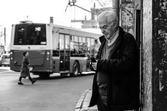 candit (㋡ Aziz) Tags: man girl bus city istanbul fujifilm 1655 zoom bw blackandwhite sb siyah black dark white candit human phone contrast composition street streetart geometry lady art old new