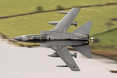 Long sheep (Dafydd RJ Phillips) Tags: talyllyn corris snowdonia raf shutter slow marham gr4 tornado panavia level low loop mach jet fighter military aviation force air royal