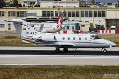 Private --- Raytheon Hawker 400XP --- EC-KKD (Drinu C) Tags: adrianciliaphotography sony dsc rx10iii rx10 mk3 mla lmml plane aircraft aviation bizjet privatejet private raytheon hawker 400xp eckkd