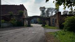 Luboradz (nesihonsu) Tags: poland polska village rural architecture architektura dwór manor brama gate luboradz lowersilesia dolnyśląsk dolnośląskie