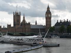 Palace of Westminster / Houses of Parliament (Fotorob) Tags: verenigdkoninkrijk engeland steiger greaterlondon wegenwaterbouwkwerken aanlegvoorziening gotisch architecture landbestuursgebouw bestuurrechtoverhgeb bestuursgebouwenonderdl barrycharles stijl england architectura architectuur londonboroughofwestminster