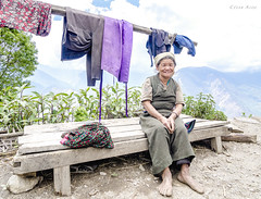 .being simple, simply being. (César.Aloe) Tags: portrait humanity people humans peopleoftheworld nepal mountainlife simplicity langtang wideangle wideangleportrait nikon tokina documentary culture