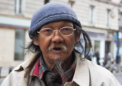 Les parisiens (7) (dominiquita52) Tags: streetphotography man homme cambodgien